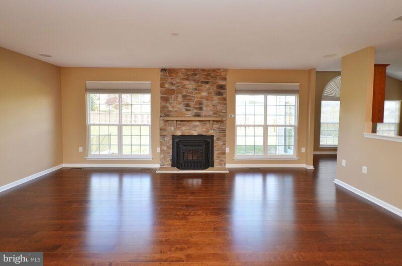 Family Room - 405 HEARTWOOD CT, PURCELLVILLE