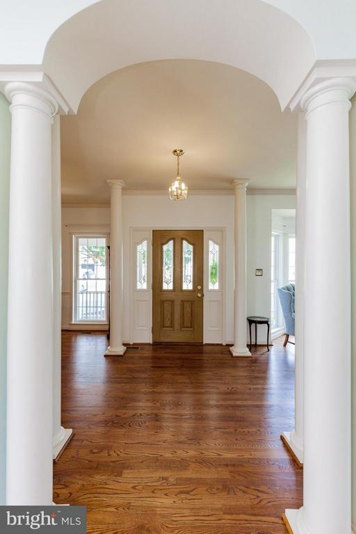 Great foyer - 2595 BEAR DEN RD, FREDERICK