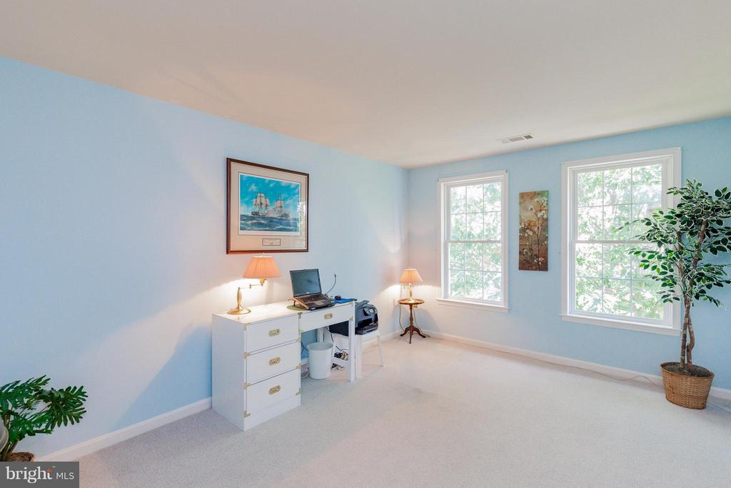 3rd Bedroom with Walk in closet - 2595 BEAR DEN RD, FREDERICK