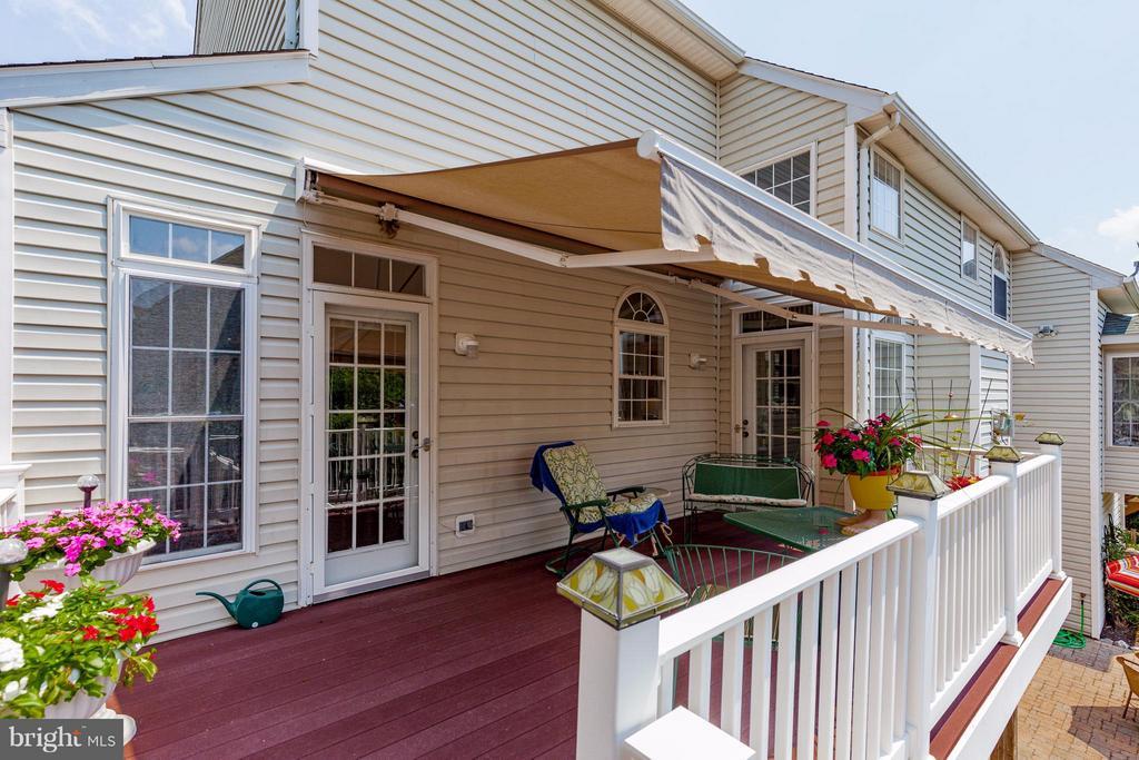 Huge deck off kitchen - 2595 BEAR DEN RD, FREDERICK