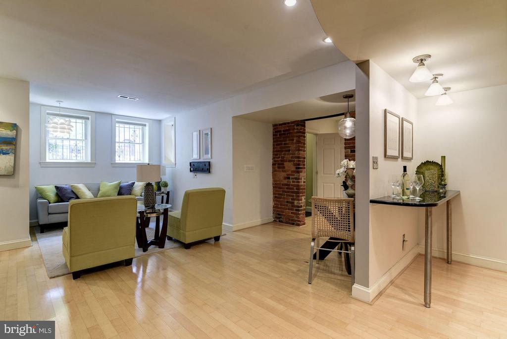 Flexible Floorplan to Meet the Needs of All Buyers - 1217 N ST NW #1, WASHINGTON