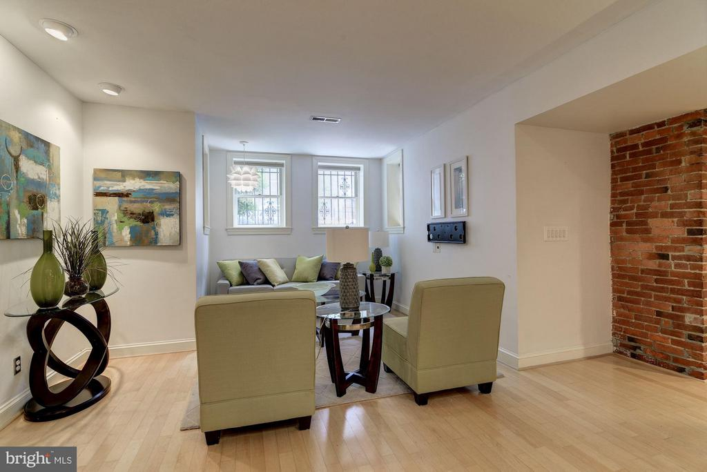 Plenty of Space for Entertaining - 1217 N ST NW #1, WASHINGTON