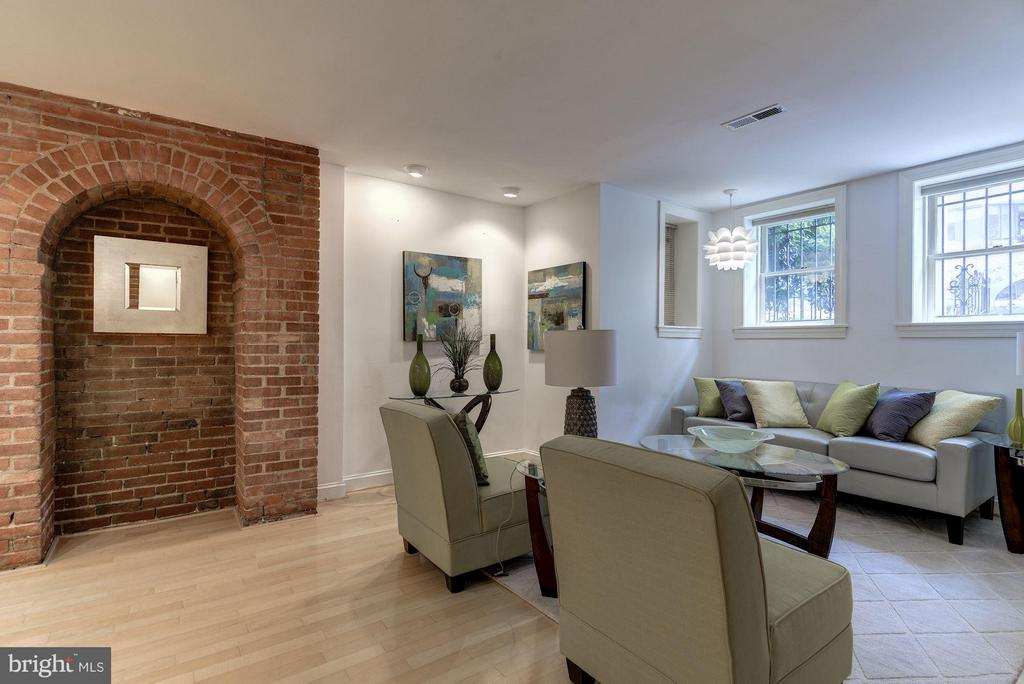Open Floor Plan Living Space - 1217 N ST NW #1, WASHINGTON