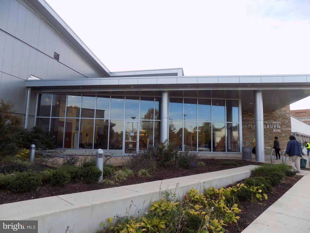 Just steps to new Gaithersburg Library! - 18432 BISHOPSTONE CT #306, GAITHERSBURG
