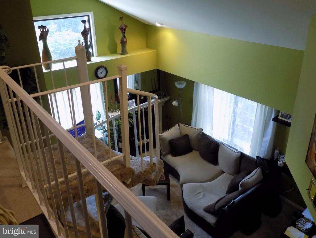 A View to your cozy living room with fireplace! - 18432 BISHOPSTONE CT #306, GAITHERSBURG