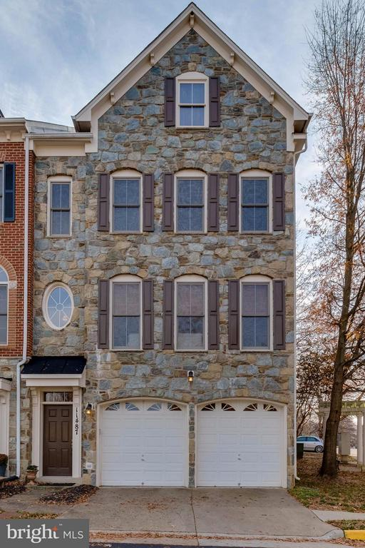 Exterior (Front) - 11487 GLADE MEADOW DR, FAIRFAX