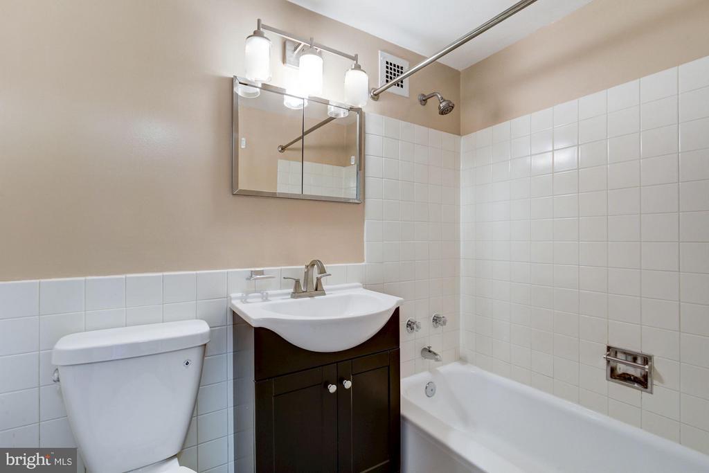 Bath (Master) - 1301 DELAWARE AVE SW #N-303, WASHINGTON