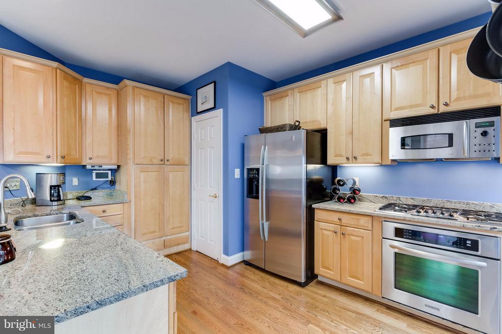 Kitchen - 11487 GLADE MEADOW DR, FAIRFAX