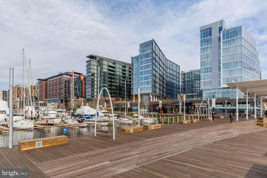 Walking distance to the new Southwest Waterfront. - 1301 DELAWARE AVE SW #N-303, WASHINGTON
