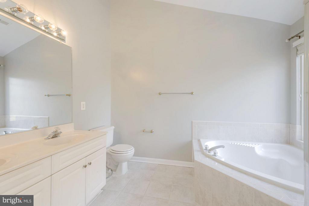 Bedroom (Master) - 3378 GOVERNORS CREST CT, ALEXANDRIA