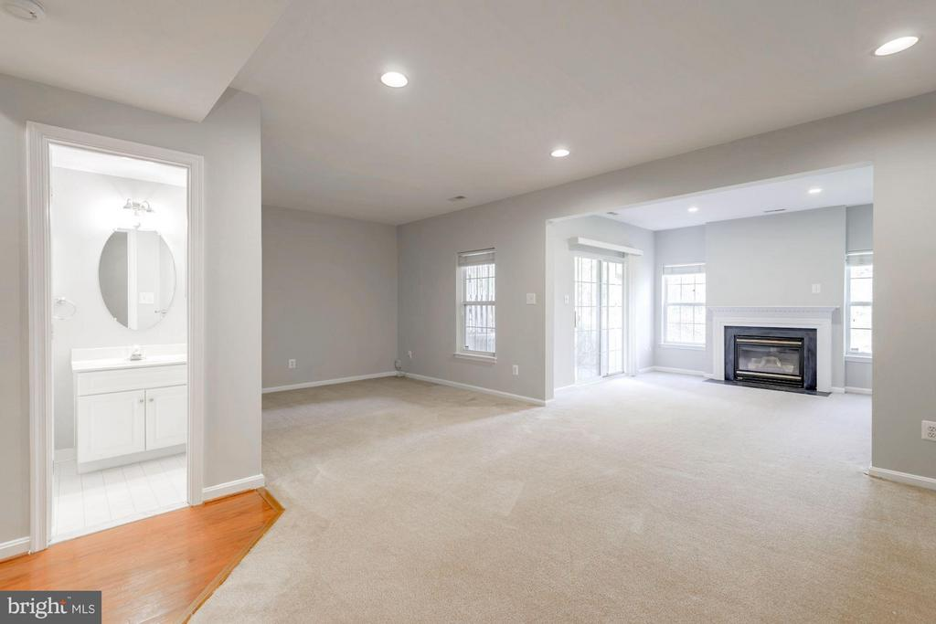 Family Room - 3378 GOVERNORS CREST CT, ALEXANDRIA