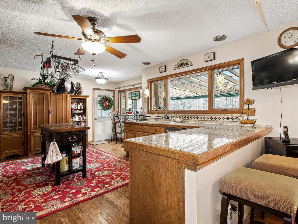 Kitchen - 9513 FLINT HILL CT, FREDERICKSBURG