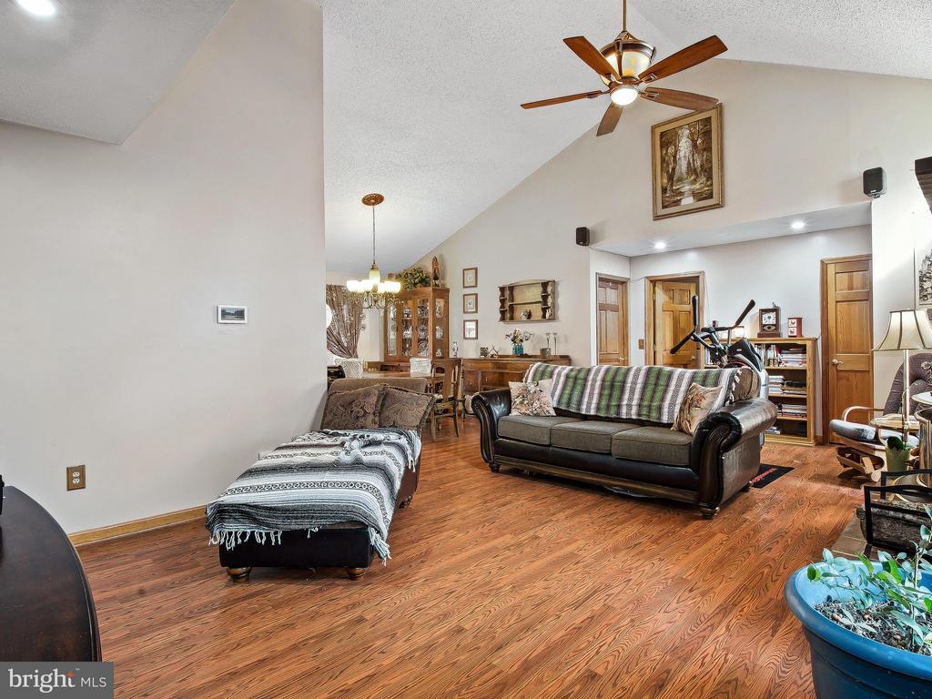 Family Room - 9513 FLINT HILL CT, FREDERICKSBURG
