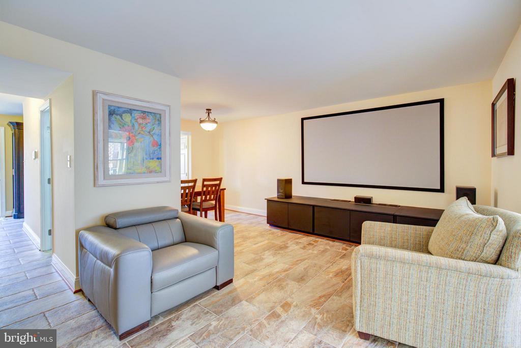 Living Room - 236 NOTTOWAY ST SE, LEESBURG