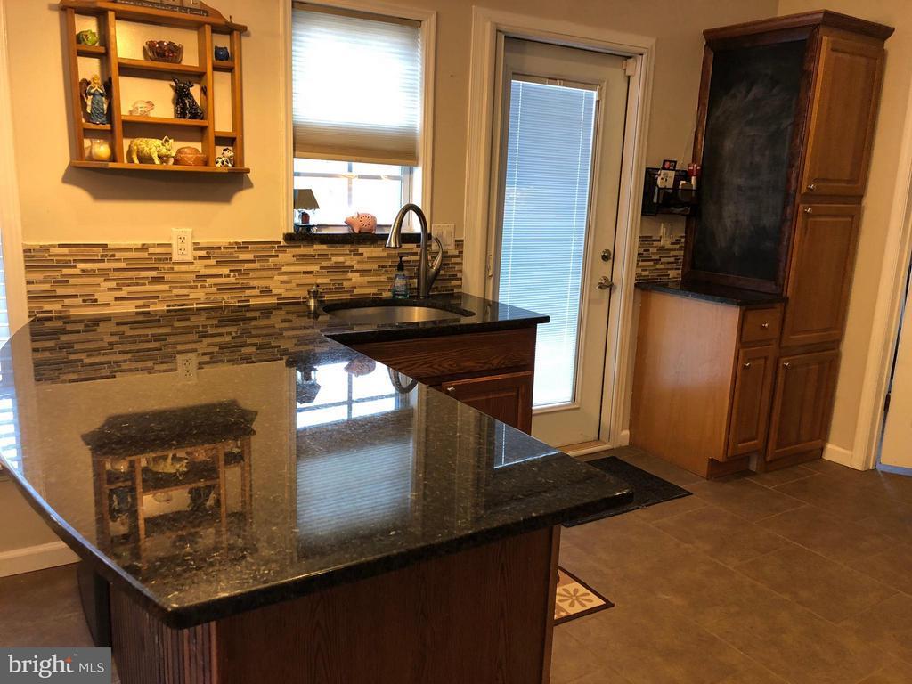 Beautiful granite tops ! - 14609 ANTLER RD, FREDERICKSBURG