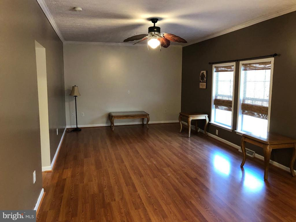 Family Room open to Dining and Kitchen - 14609 ANTLER RD, FREDERICKSBURG