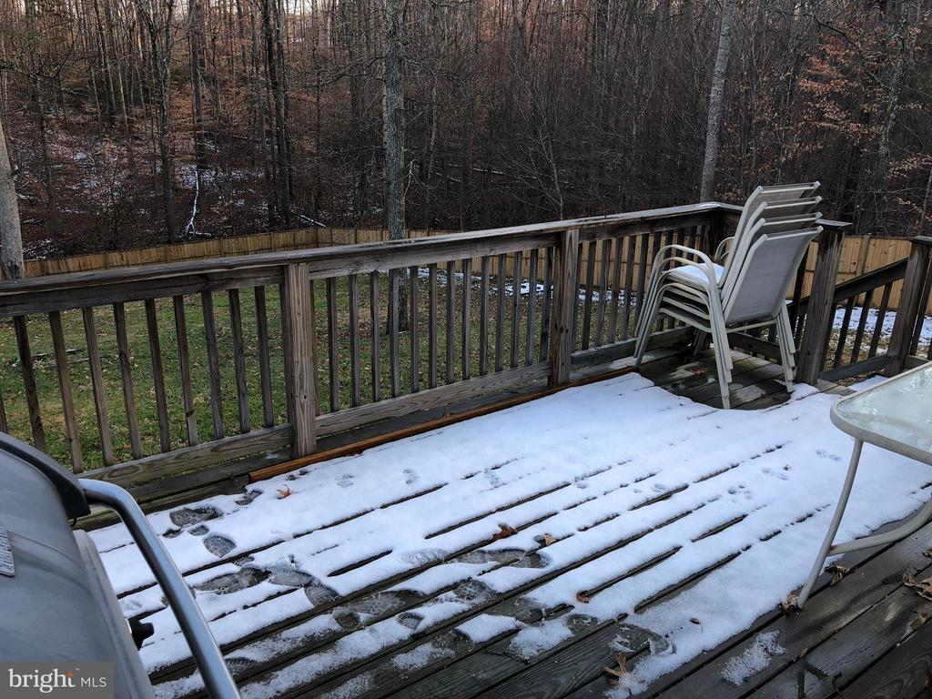 Deck overlooking scenic rear yard - 14609 ANTLER RD, FREDERICKSBURG