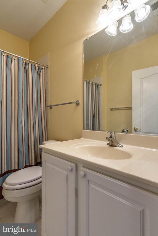 Bath 2 with large vanity & medicine cabinet - 1 ASPEN HILL DR #50, FREDERICKSBURG