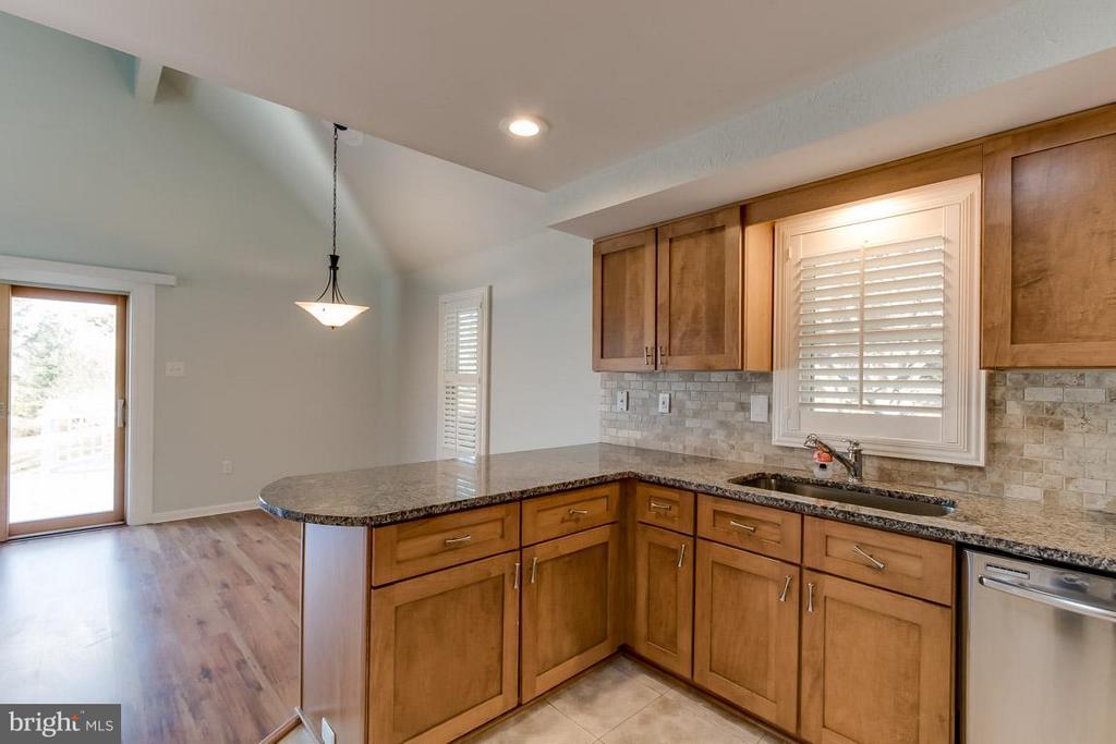 Kitchen - 9666 SPRINGS RD, WARRENTON