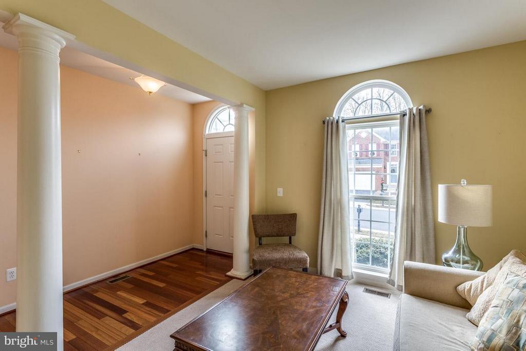 Open Foyer with Hardwood Floors - 12325 OSPREY LN, CULPEPER