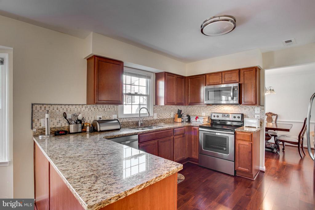 New Granite Countertops - 257 WHITSONS RUN, STAFFORD
