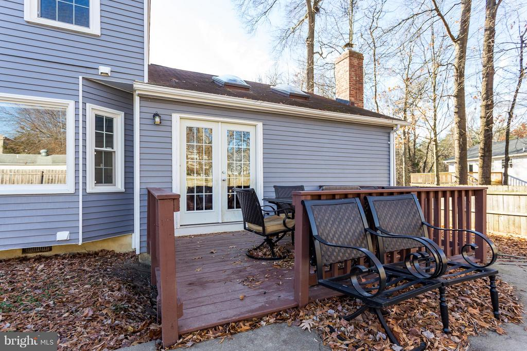 Enjoy Outdoor Living with on your Deck & Patio - 257 WHITSONS RUN, STAFFORD