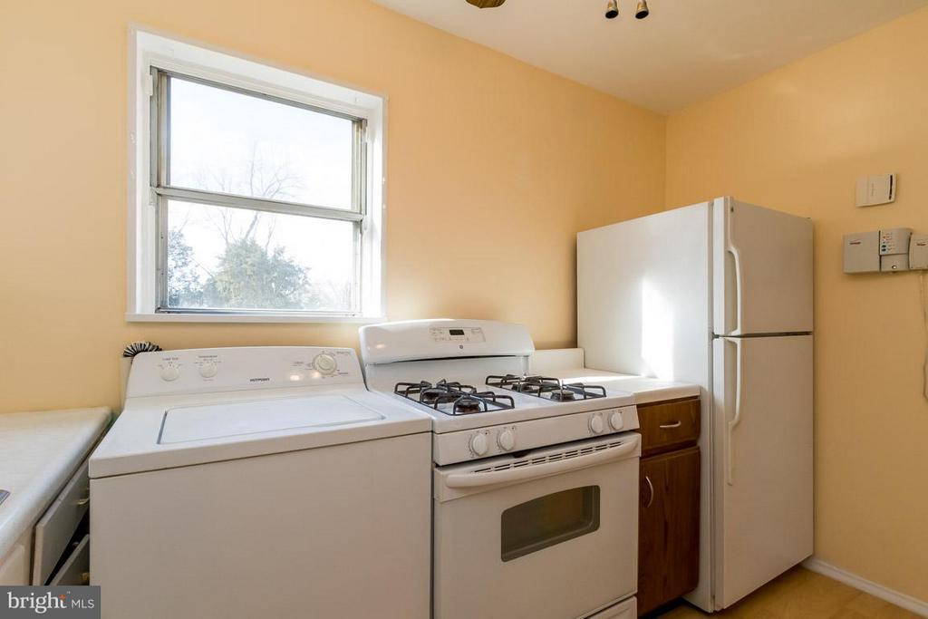 Kitchen - 189 OLD CENTREVILLE RD, MANASSAS PARK