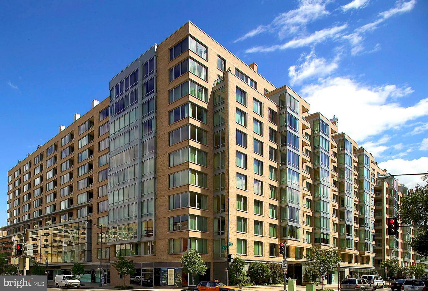 Single Family Home for Sale at 1155 23rd St Nw #2c 1155 23rd St Nw #2c Washington, District Of Columbia 20037 United States