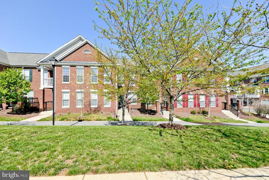 12806  FAIRWOOD PARKWAY  62B, Bowie, Maryland