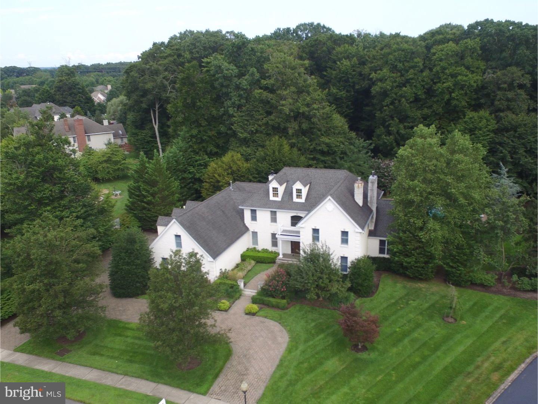 独户住宅 为 销售 在 4 KING HAVEN Court 平原市, 新泽西州 08536 美国在/周边: Plainsboro Township
