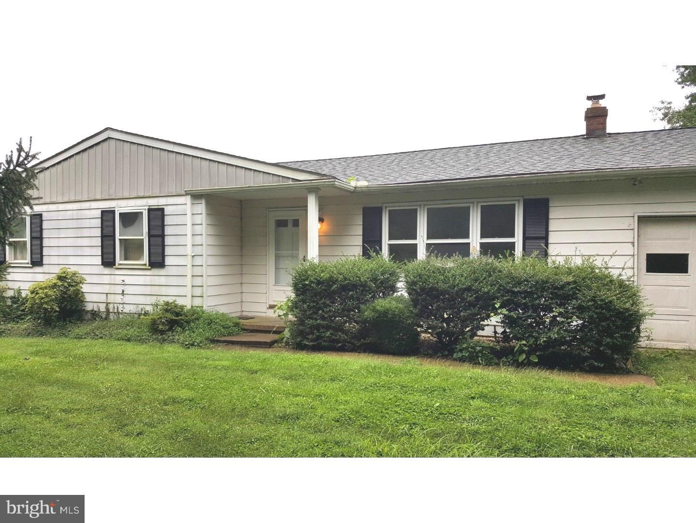 Maison unifamiliale pour l Vente à 835 W AVONDALE Road West Grove, Pennsylvanie 19390 États-Unis