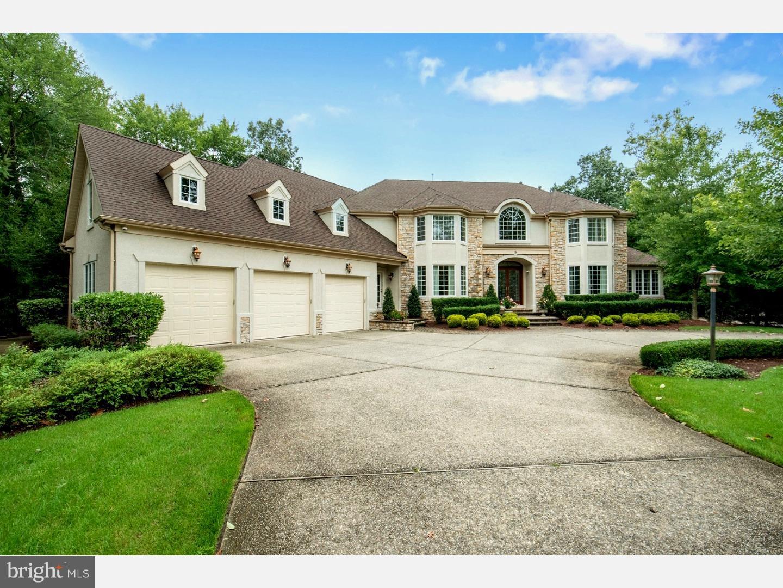 Maison unifamiliale pour l Vente à 16 WOODGLEN Lane Voorhees, New Jersey 08043 États-Unis