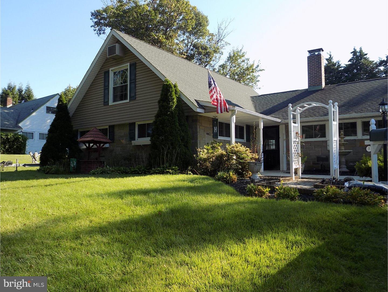独户住宅 为 销售 在 8 FALLENROCK Road Levittown, 宾夕法尼亚州 19056 美国