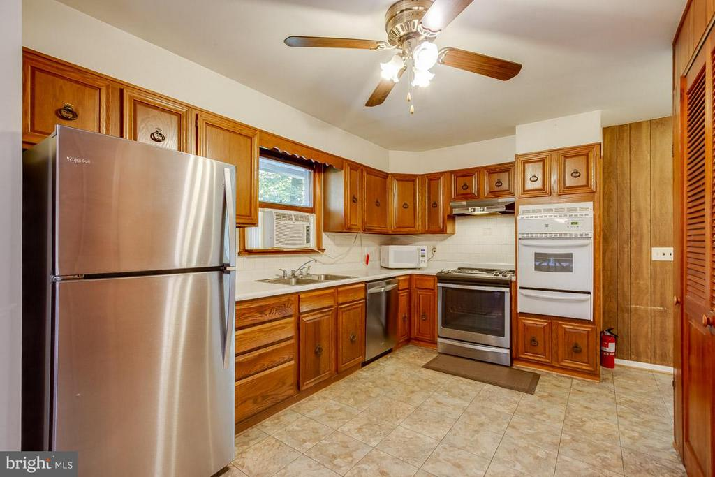 Kitchen - 20375 FURR RD, ROUND HILL