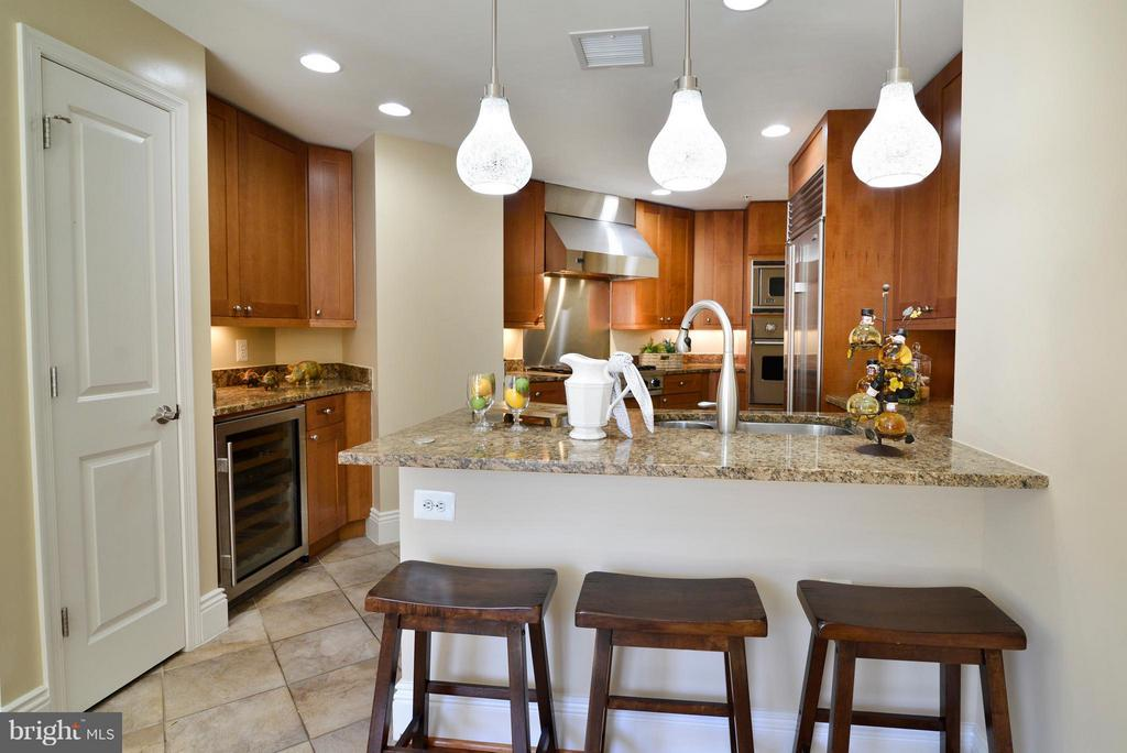 Kitchen - 11990 MARKET ST #512, RESTON