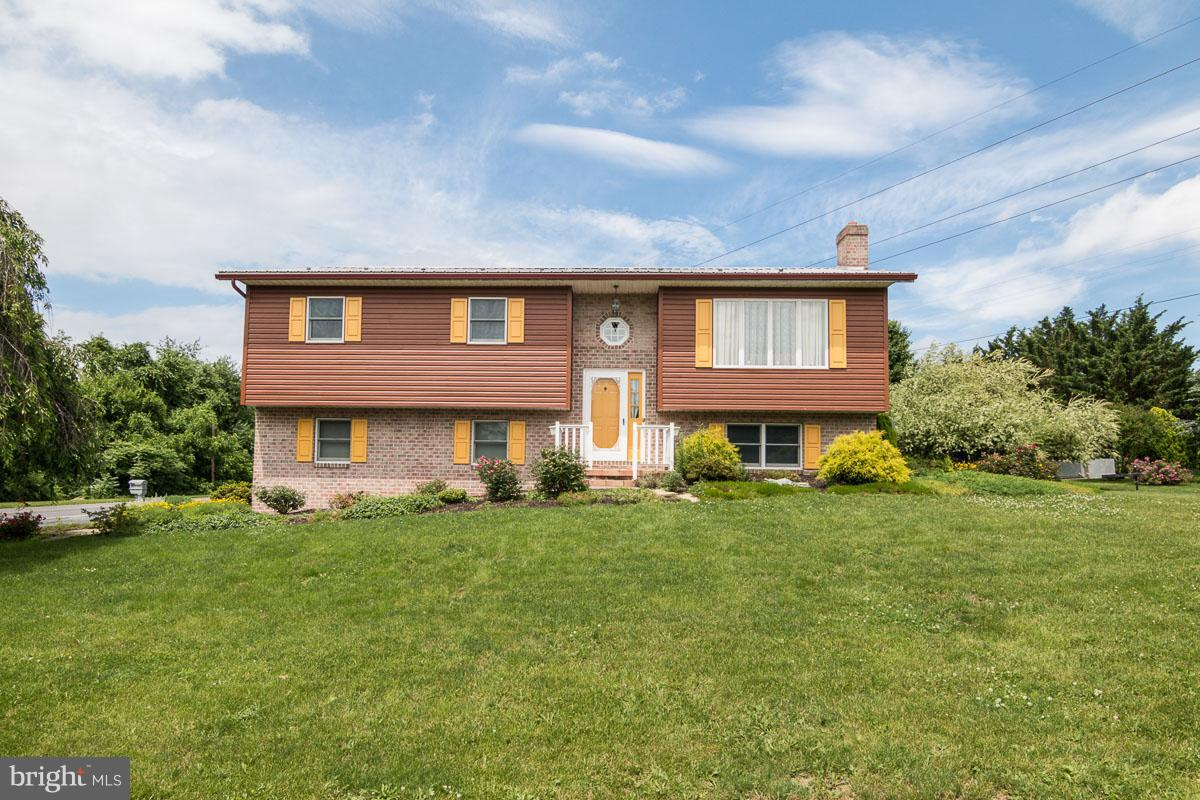 Single Family for Sale at 432 Elrock Dr Chambersburg, Pennsylvania 17201 United States