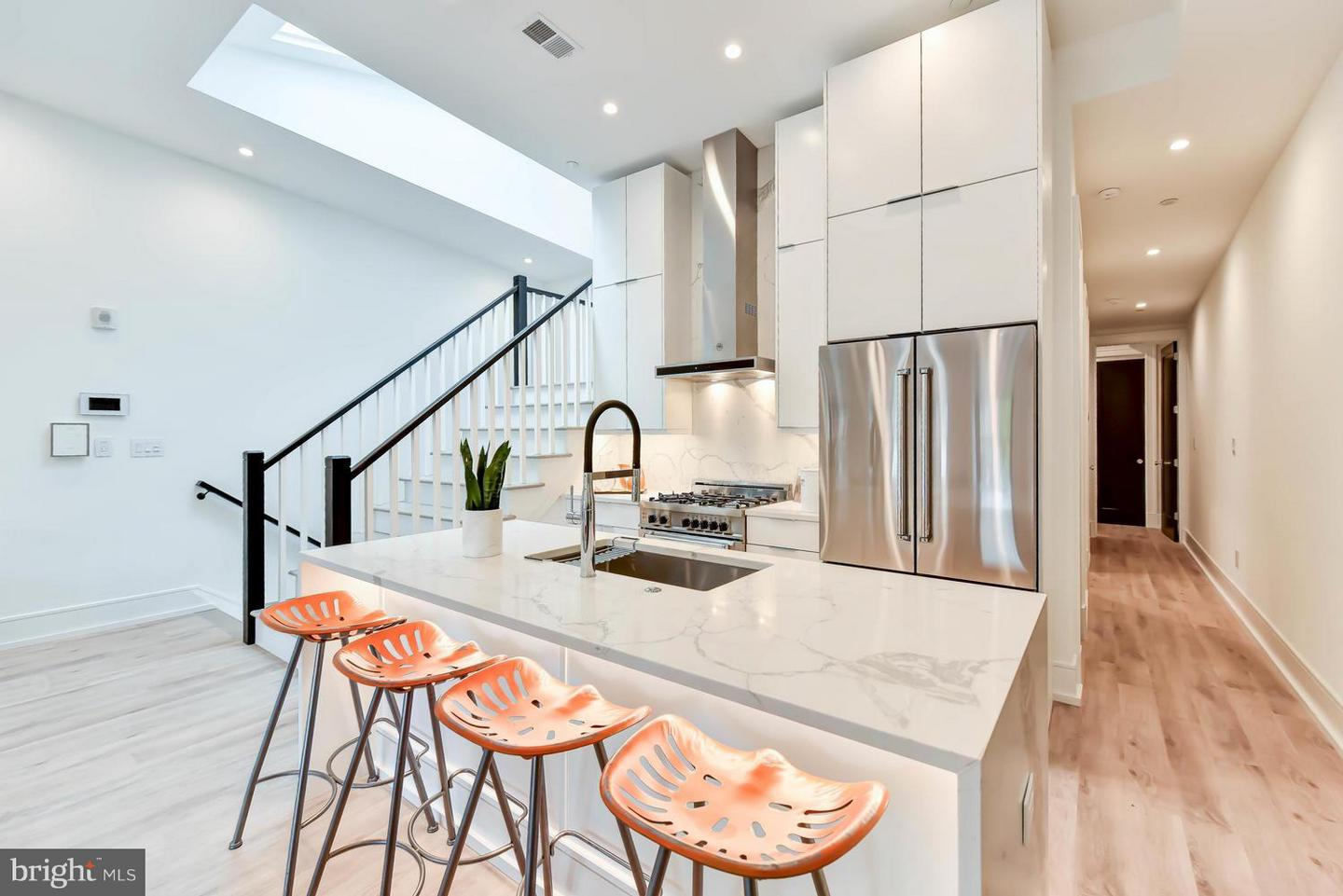 Single Family Home for Sale at 1524 18th St Nw #7 1524 18th St Nw #7 Washington, District Of Columbia 20036 United States