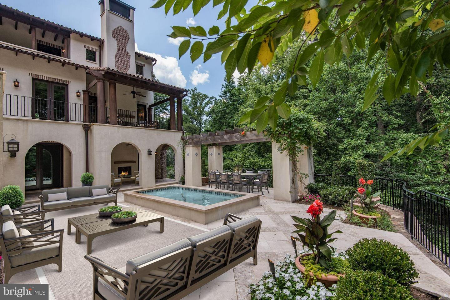 Single Family for Sale at 1938 Foxview Cir NW Washington, District Of Columbia 20007 United States
