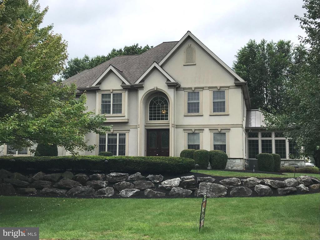 365 N FARM DRIVE, Manheim Township in LANCASTER County, PA 17543 Home for Sale
