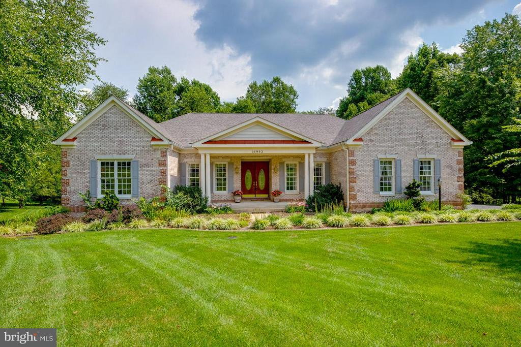 Easy one level living in a tranquil setting - 16952 OLD SAWMILL RD, WOODBINE
