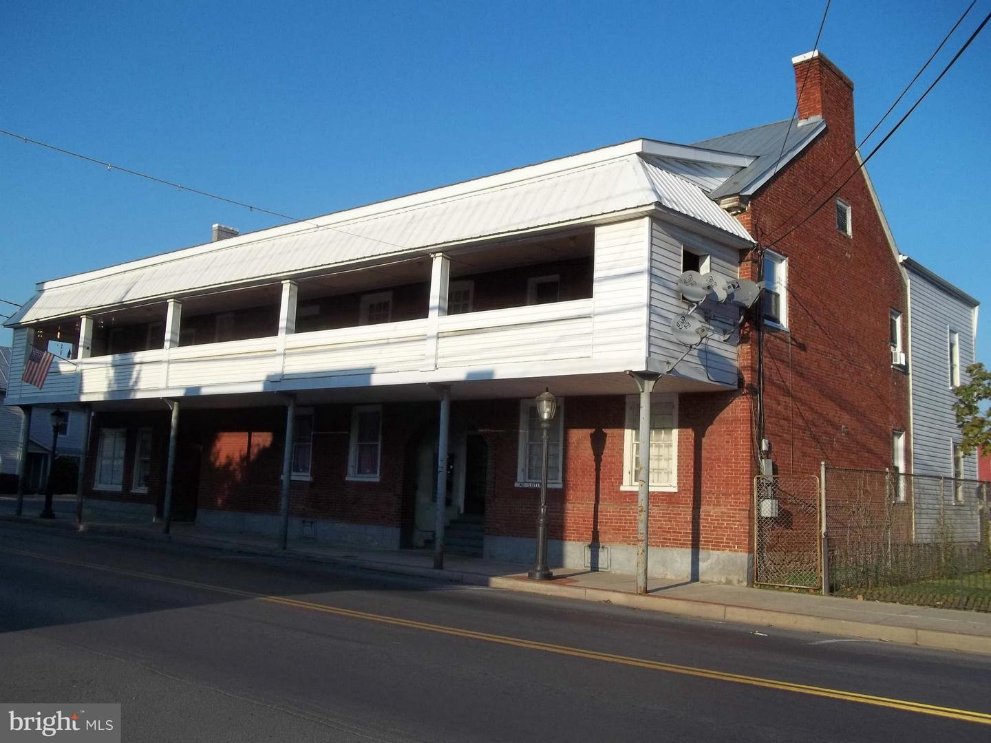 Additional photo for property listing at 127 North Main St N  Moorefield, West Virginia 26836 United States