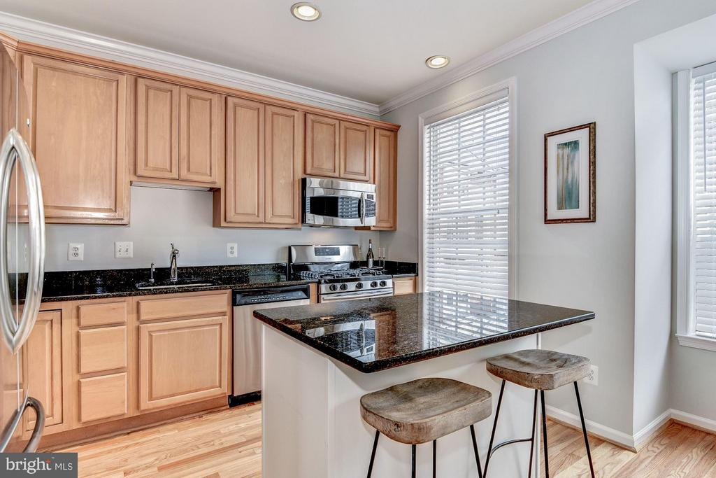 Kitchen - 2338 LEE HWY, ARLINGTON