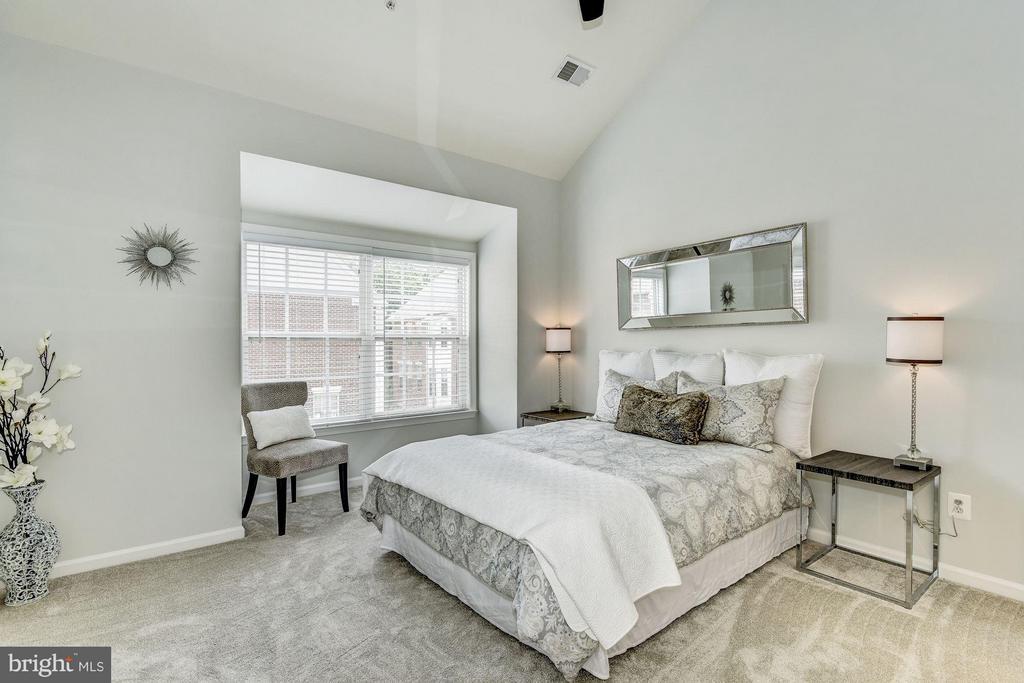 Bedroom (Master) - 2338 LEE HWY, ARLINGTON