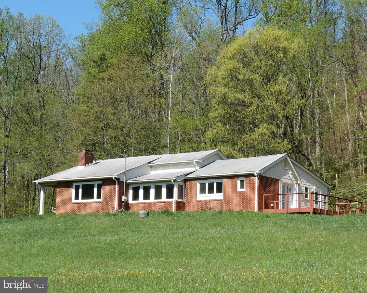 Single Family for Sale at 346 Riley Hollow Rd Huntly, Virginia 22640 United States