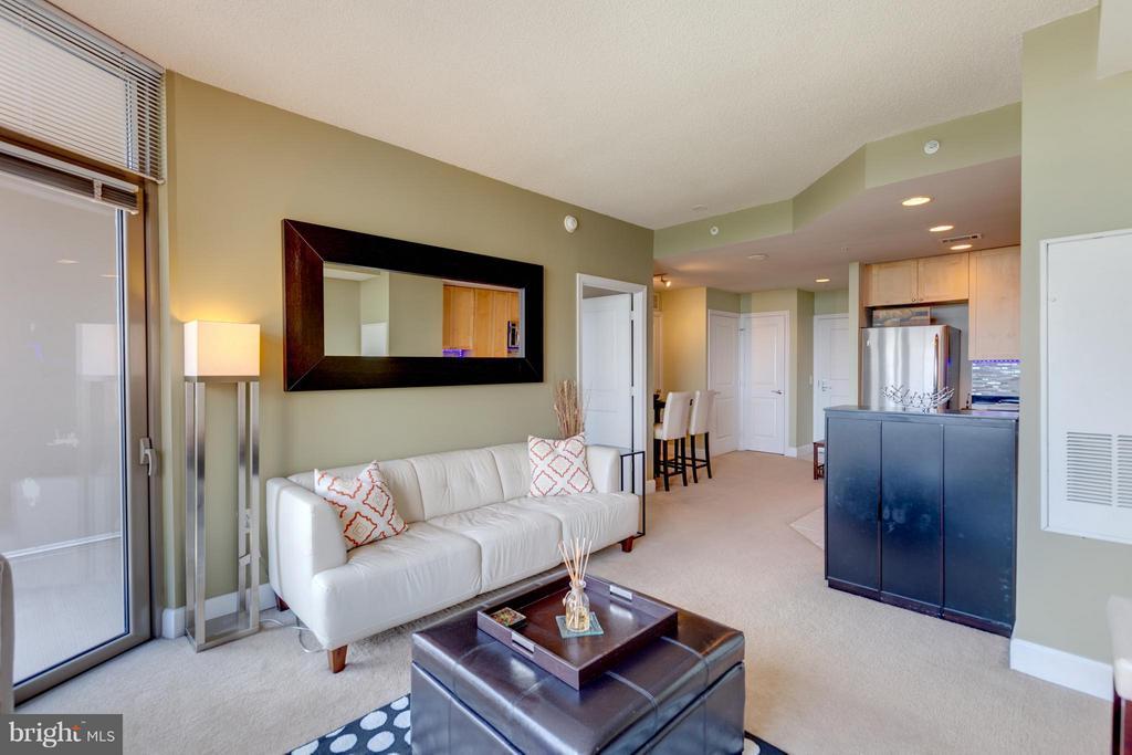 Living Room - 3600 GLEBE RD #921W, ARLINGTON