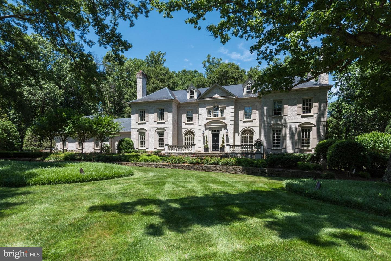 Single Family Home for Sale at 696 Bucks Lane 696 Bucks Lane Great Falls, Virginia 22066 United States