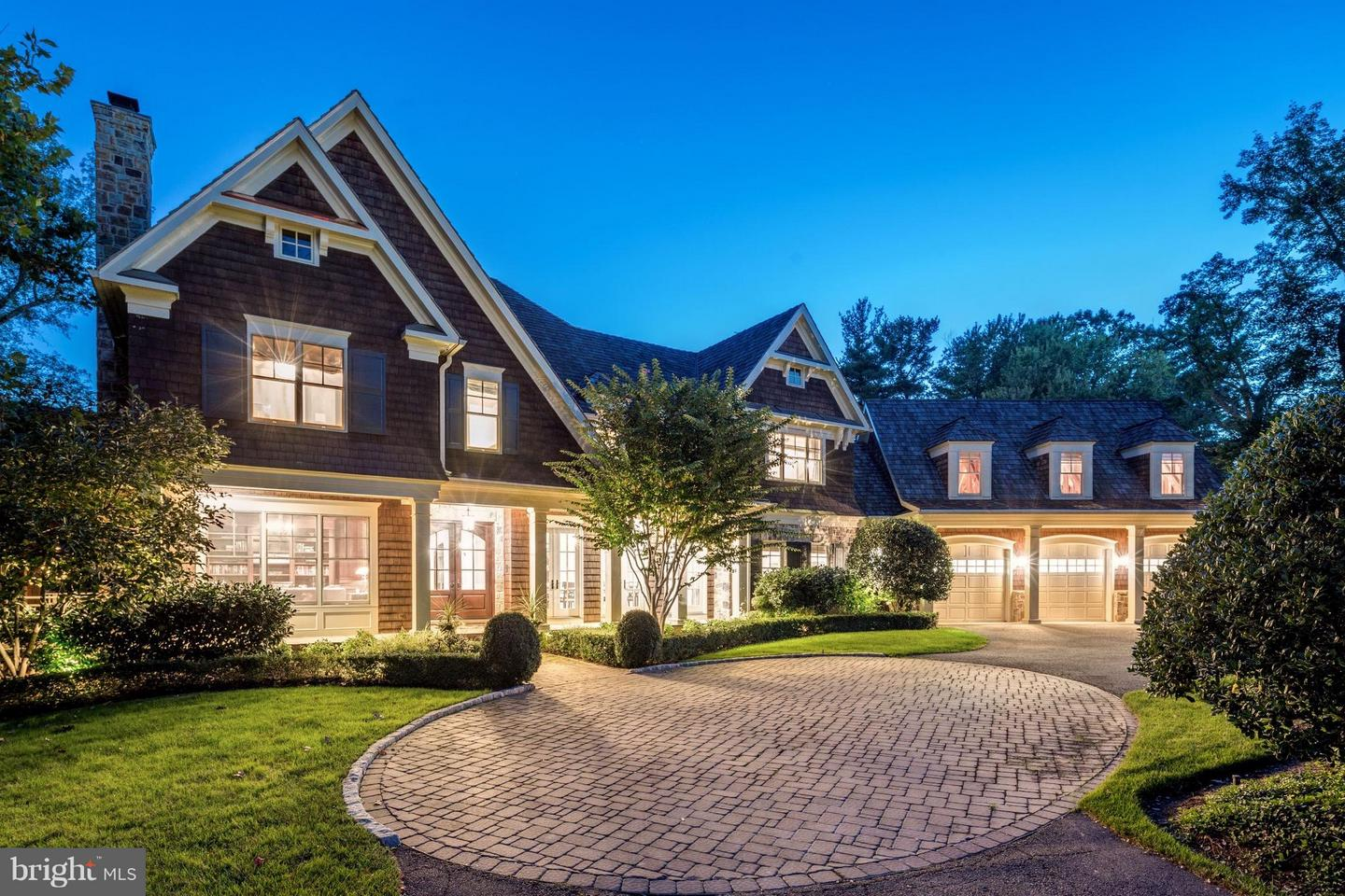 Single Family for Sale at 8119 Spring Hill Farm Dr McLean, Virginia 22102 United States