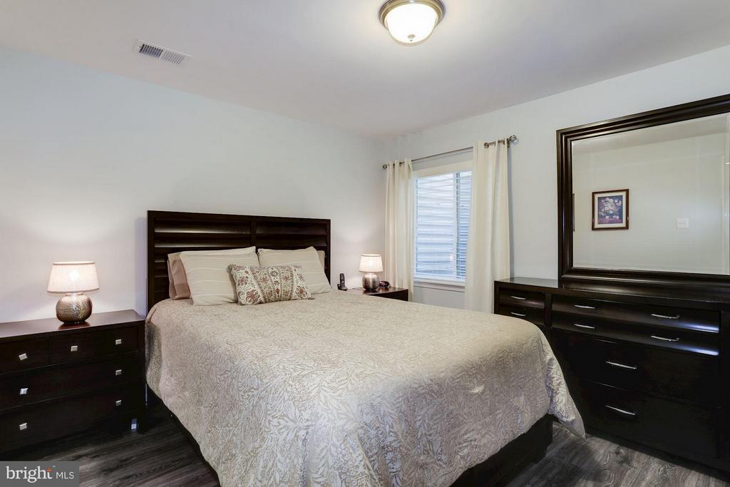 Lower Level Bedroom - 4426 CAMLEY WAY, BURTONSVILLE
