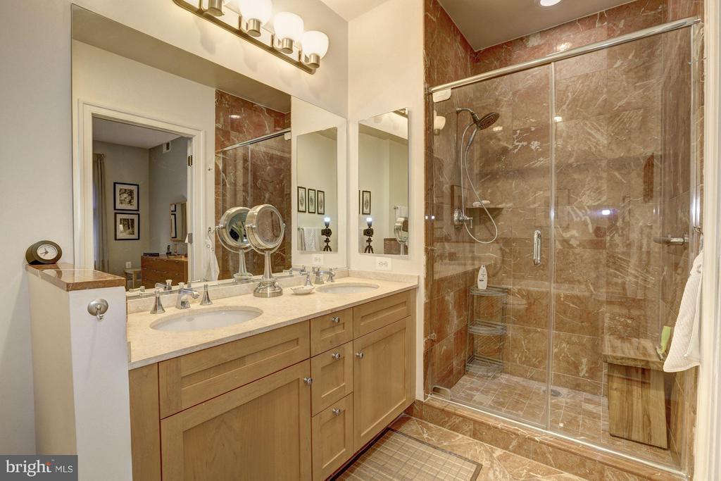 Owner's Bath with shower - 4821 MONTGOMERY LN #104, BETHESDA
