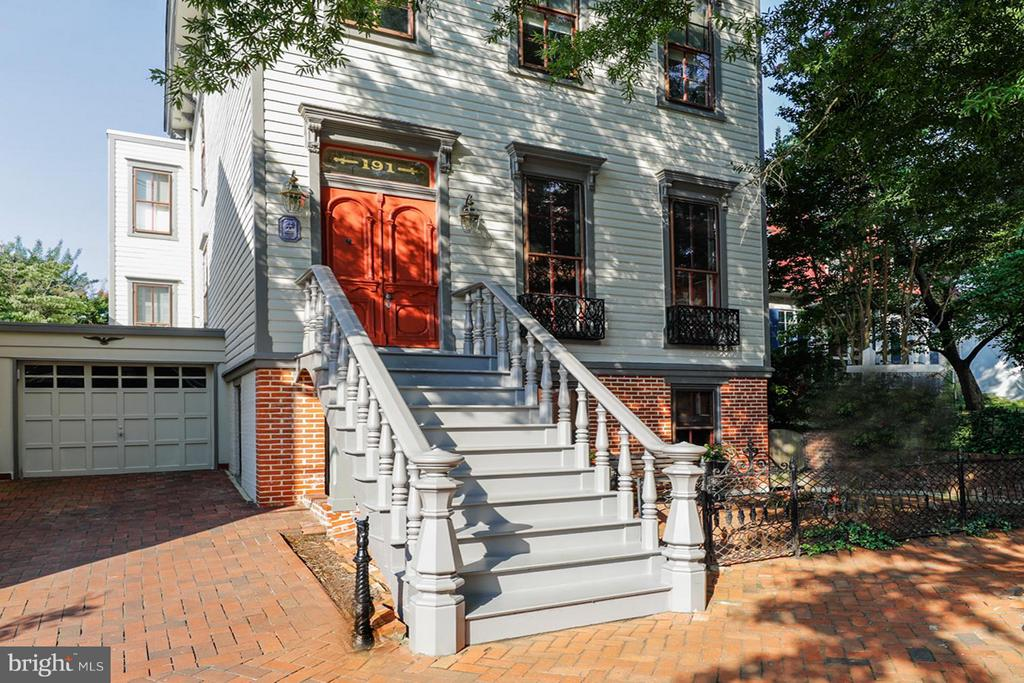 Historic District Federal Home with Coveted Garage - 191 PRINCE GEORGE ST, ANNAPOLIS